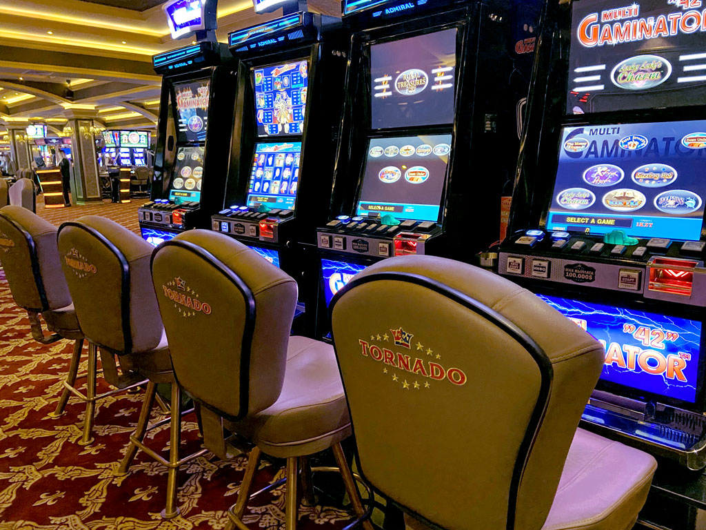 Бесплатные слот автоматы обезьяна и кекс проиграл много денег в казино что делать